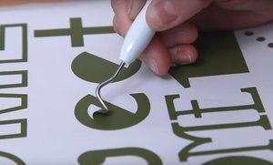Image 4 - Özelleştirilebilir sloganı çatal şef simgesi vinil yapışkan mutfak restoran ev dekorasyon duvar çıkartmaları DIY çıkarılabilir CF17