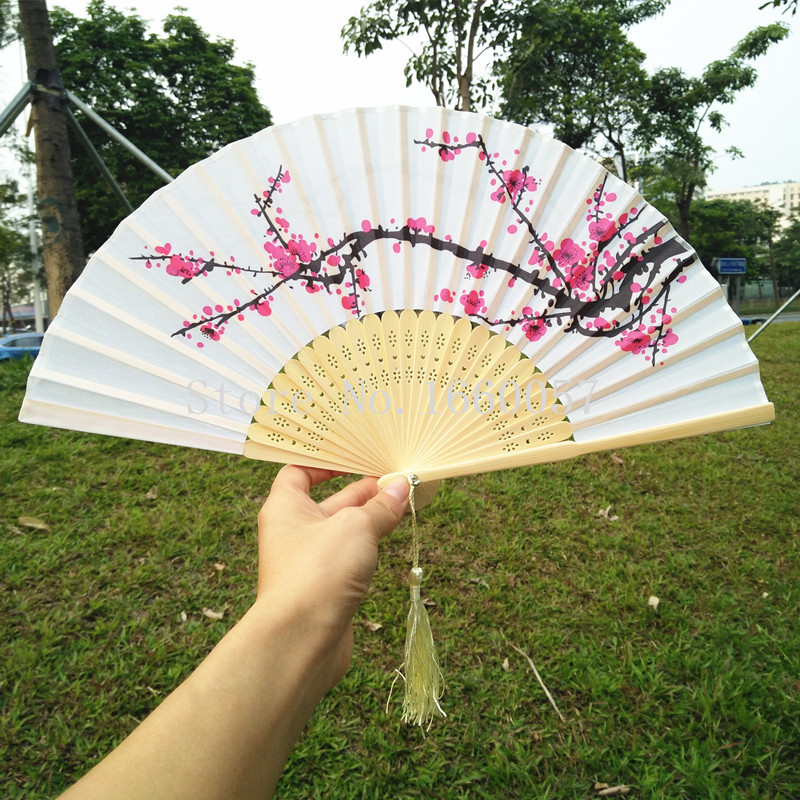 40pcs Personalized New Plum Blossom Silk Wedding Favor Gift Flower Hand Fan Cherry Blossom Folding Printing