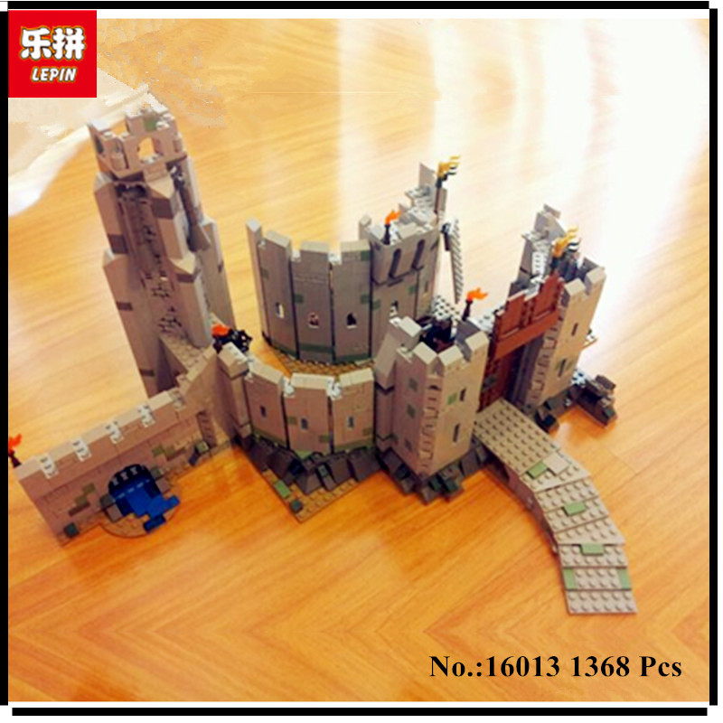 IN STOCK Lepin 16013 1368Pcs The Lord of the Rings Series The Battle Of Helm' Deep Model Building Blocks Bricks Educational Toys hot sale the hobbit lord of the rings mordor orc uruk hai aragorn rohan mirkwood elf building blocks bricks children gift toys
