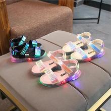 Яркие дышащие мягкие сандалии для девочек со светодиодной подсветкой; летняя пляжная обувь принцессы с мягкой подошвой; европейские размеры 21-30
