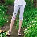 Этническая вышивка леггинсы 2017 женщины мать summer Китайский стиль m-4xl белый синий цветочный вышивка леггинсы капри