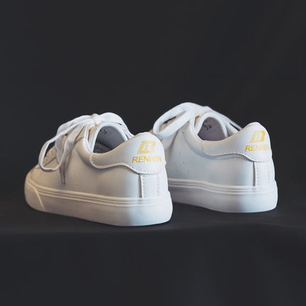 2019 small white shoes female Korean version girls canvas shoes students white shoes flat casual sports graffiti shoes 5