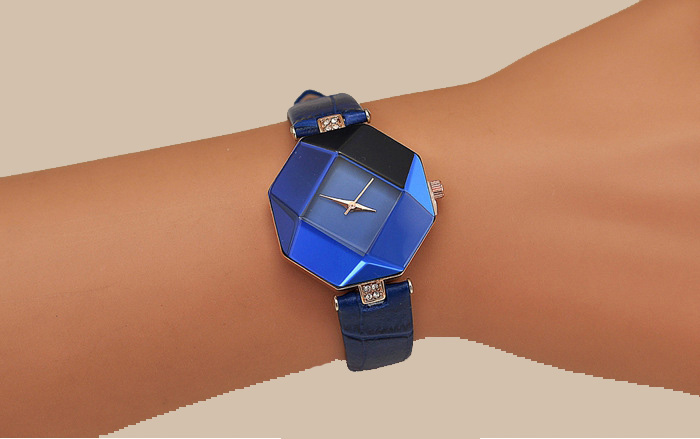 Image 3 - Women Watches Gem Cut Geometry Crystal Leather Quartz Wristwatch Fashion Dress Watch Ladies Gifts Clock Relogio Feminino 5 color-in Women's Watches from Watches