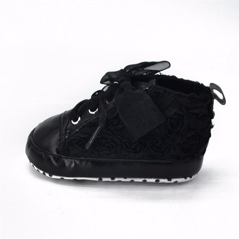 Купить с кэшбэком Delebao Baby Kids Toddler Sapato Infant Rose Flower Soft Sole Girl First Walker Handmade Baby Designers Shoes Style Wholesale