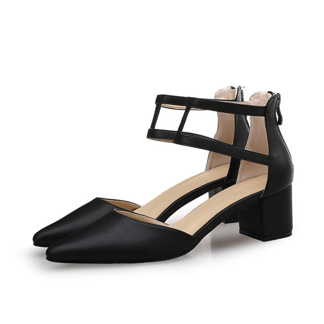 Zapatos de tacón grueso para mujer