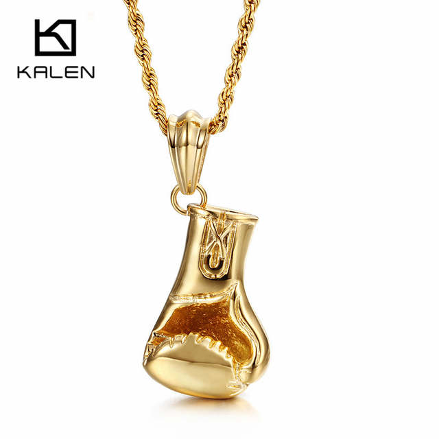 collier homme poing