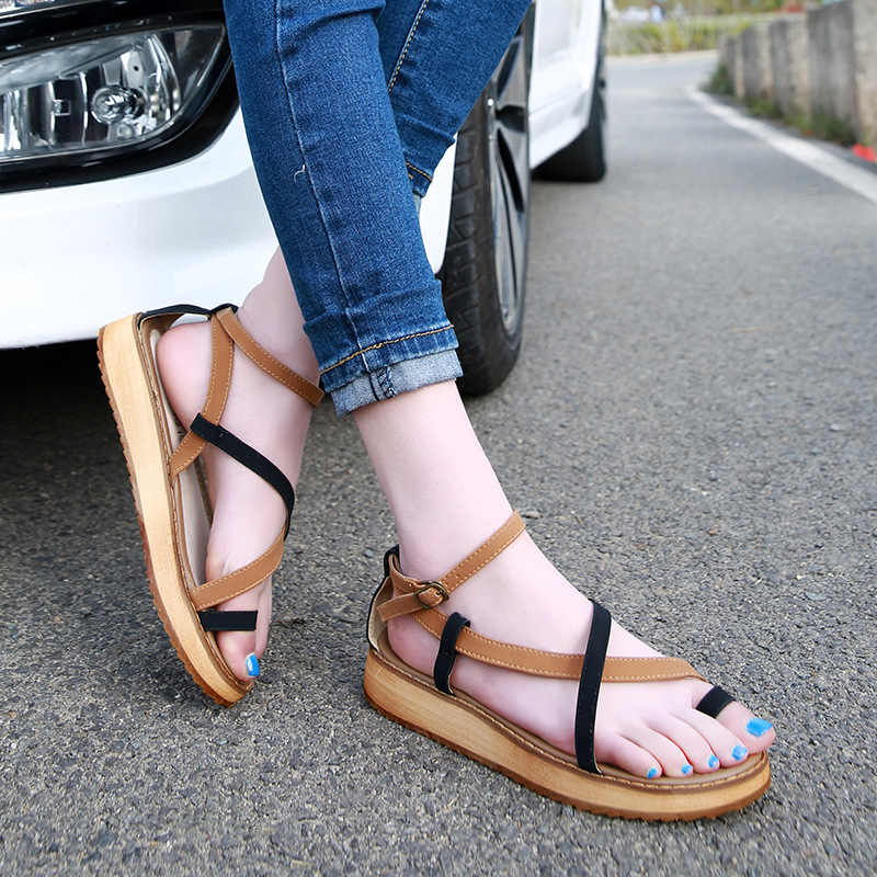 famous brand mixed color women sandals genuine leather gladiator sandals women cross-tied clip toe summer shoes woman flip flops