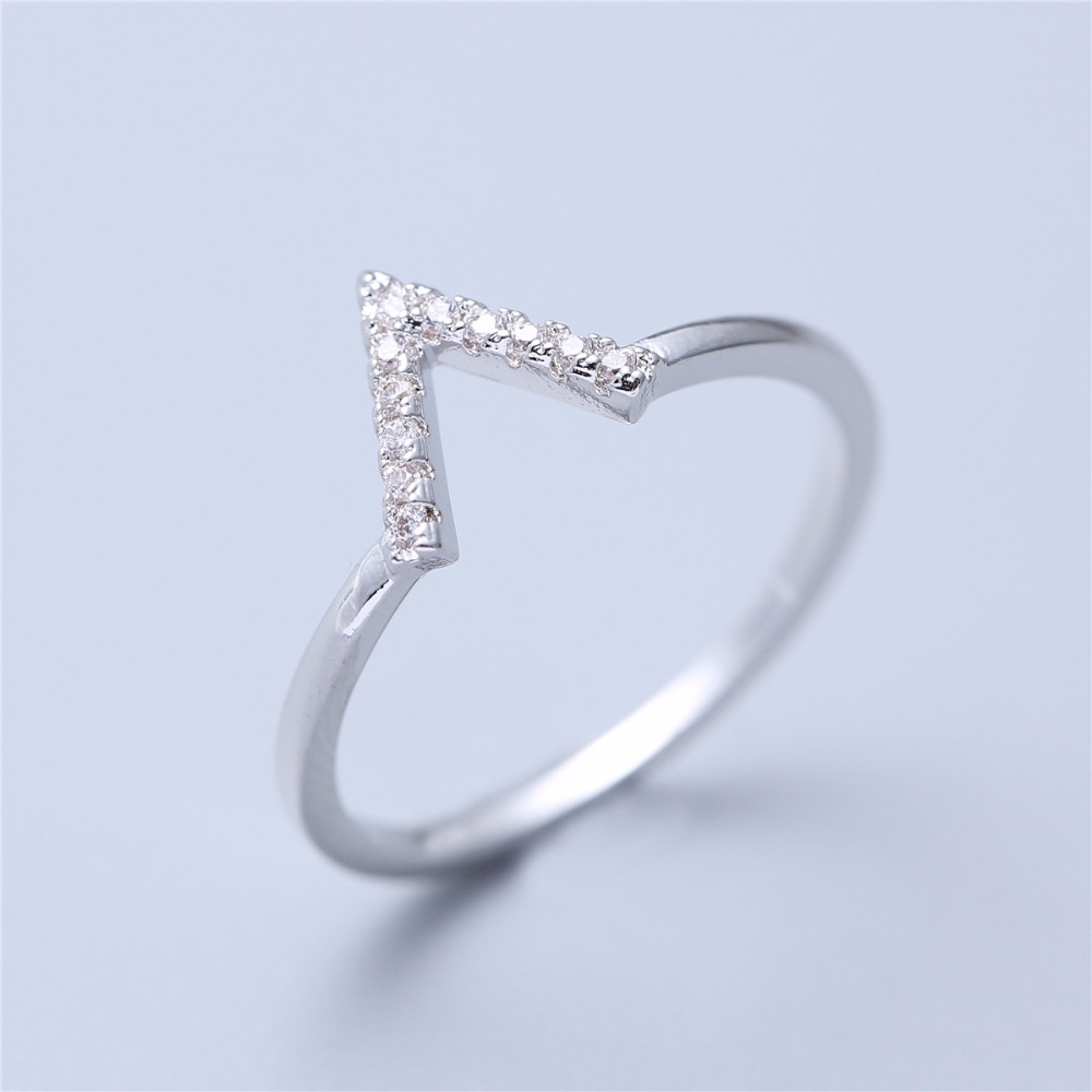 Crystal-Ring Jewelry Star Letter-V Middle Shinning 4023