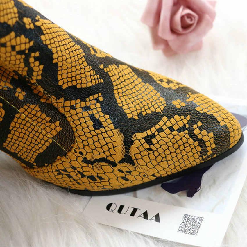QUTAA 2020 г. Модные высокие сапоги из искусственной кожи без застежки удобные зимние женские сапоги выше колена на квадратном каблуке размеры 34-43