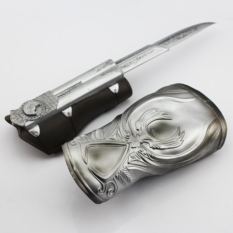 1pcs NECA Assassins Creed Hidden Blade Brotherhood Ezio Auditore Gauntlet Replica Cosplay Chritmas Gift Free Shipping майка print bar assassin s creed ezio collection