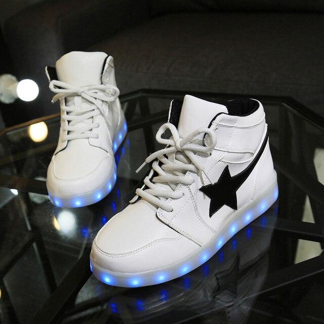 Привело бесплатная Доставка Ботинки Мужчины Валентина Мода USB Аккумуляторная Свет Для Взрослых 7 Цветов Светящиеся Мужчины LED Обувь