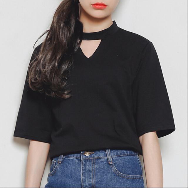 Estilo punk viento Harajuku 2017 mujeres de Corea del verano camisetas ocasionales de moda novia triángulo ahueca hacia fuera corto manga T-shirti