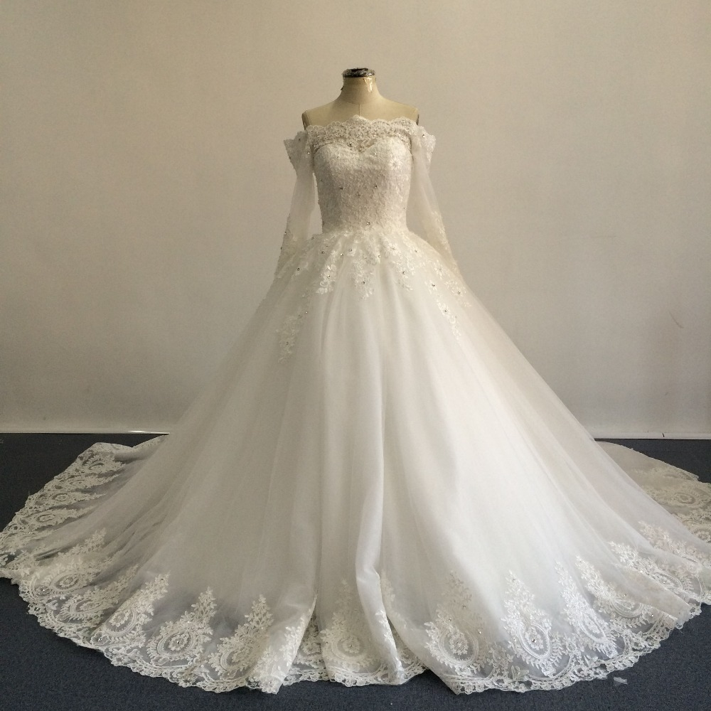 2016 Real Image Elegant Off the Shoulder Appliqued Lace Half Sleeve Puffy  Ball Gown Wedding Dresses 9ab5d96c7f06