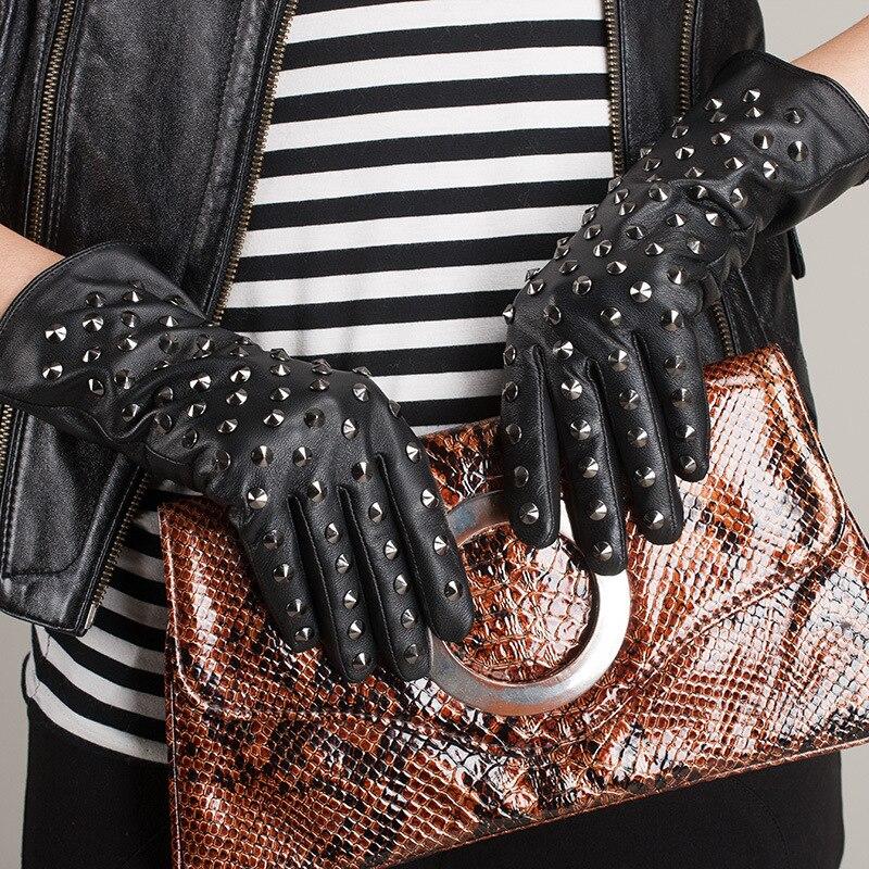 KURSHEUEL gants en cuir véritable femmes hiver mitaine chaude Punk Rock Rivets mode peau de mouton noir gants de conduite Femme AGB170