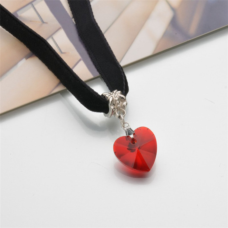 HTB10d1 QFXXXXaLXFXXq6xXFXXXC - New Fashion Woman Velvet Choker Heart Crystal Pendant Necklaces For Women Jewelry Female Black Ribbon Necklace Party Gift Collar