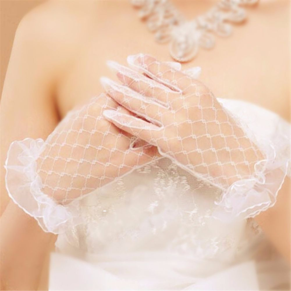 Women Gloves Elegant White Lace Glove Short Paragraph Net Mesh Ritual Glove Evening Party Accessories