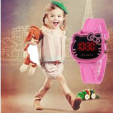 Nowe dzieci Cartoon zegarek LED Student piękny zegarek dla dzieci prezent dla chłopców dziewcząt tanie tanio Nie wodoodporne SPORT Cyfrowy Z tworzywa sztucznego Klamra CN (pochodzenie) 24 5cm Nie pakiet 37mm Silikon Girls Clock Kształt zwierząt