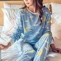 Pijamas das mulheres 2017 Primavera Outono Da Mulher Da Forma Desenhos Animados do Kawaii Bonito Pijamas Mulheres Roupão Azul Dois Conjuntos Pijamas Roupas Casuais