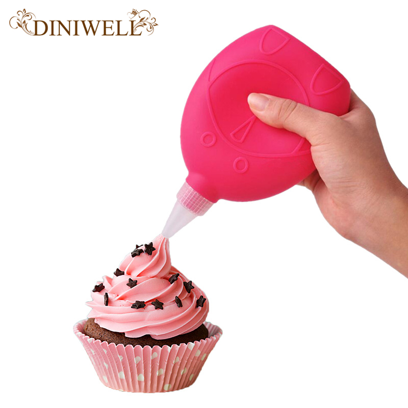 Diniwell Kitchen Accessories Decorating Tip Sets Silicone Macaron Cake Icing Piping Decorating Pen 6 Nozzles Set