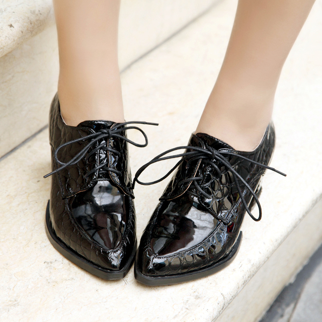 e9ddeb253db 2015 Designer Loafers Women s Lace-up Pointed Toe Coffee +Black Patent  Loafers For Ladies Comfortable Thick Square Heel LIY013