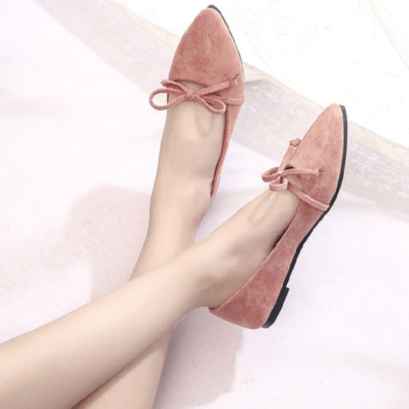 Pointed flat shoes 2018 spring new women's shoes wild shallow mouth Korean students bow tie flat shoes women 2017 the new european american fashion horn bow pointed mouth shallow comfortable flat sheet metal red shoes tide size 35 41
