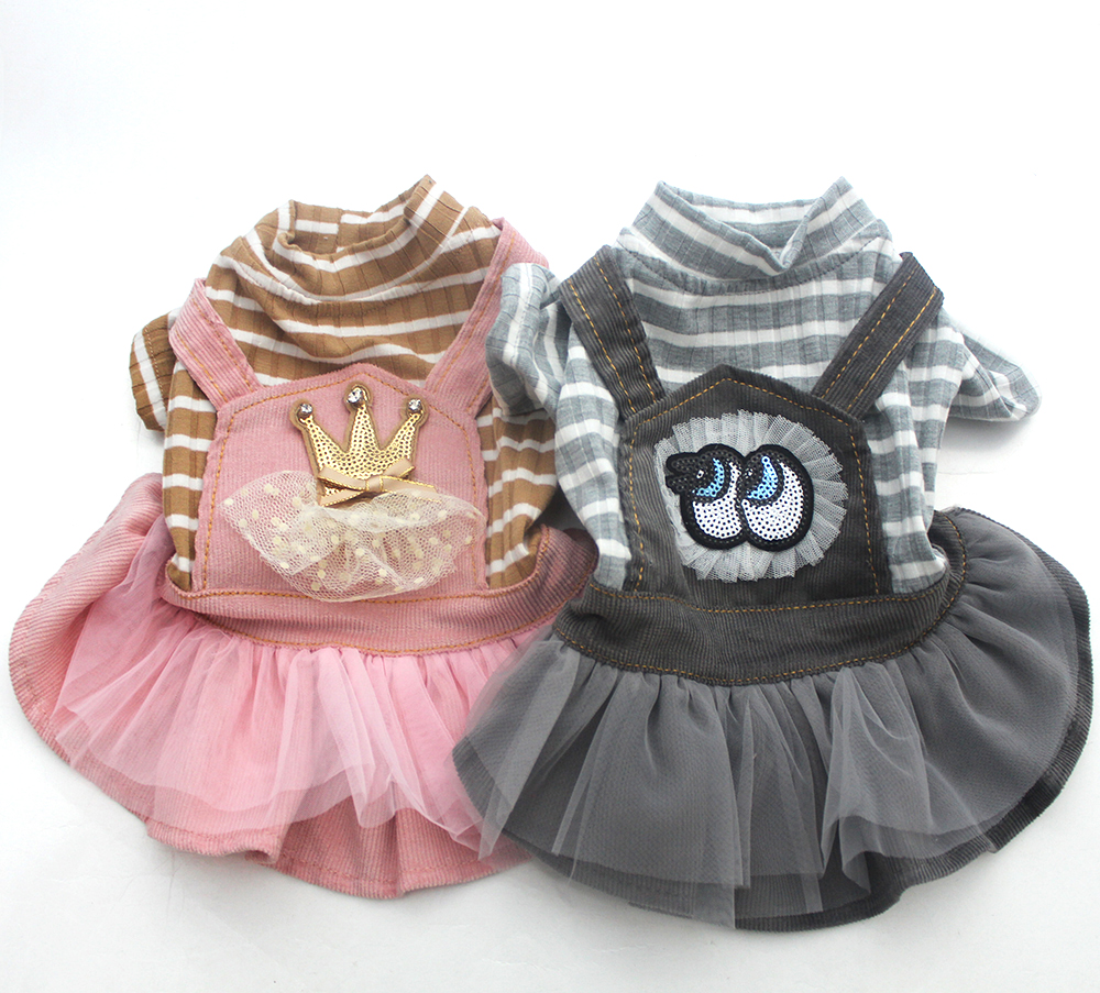Ny ankomst Dog Pet Corduroy Kjole Striped & Lace Cat Puppy Strap Shirt Nederdel Spring Tøj Apperal