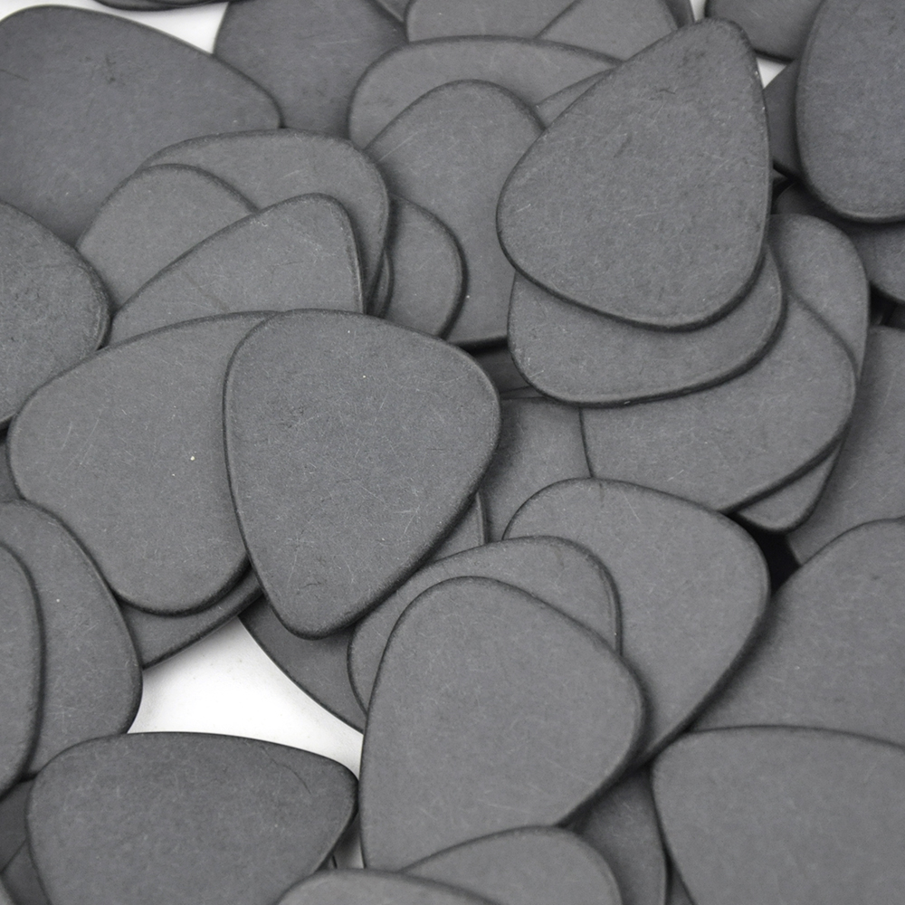 Купить с кэшбэком Lots of 100pcs Black Ultra Heavy 1.5mm Gauge Delrin Guitar Bass Picks Plectrums