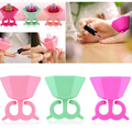 Flexible Durable Wearable Silicone Stand Polish Bottle Holder Display Support Rack Ring Fit All Fingers Nail Art Manicure Tools