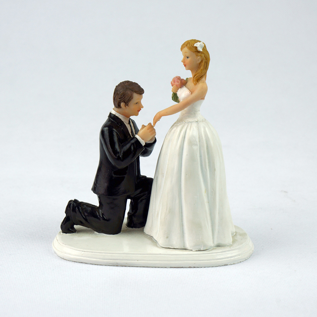 Cheap Free Shipping 2014 Propose Pretty Wedding Kissing Resin Couple Figures Funny Cake Toppers