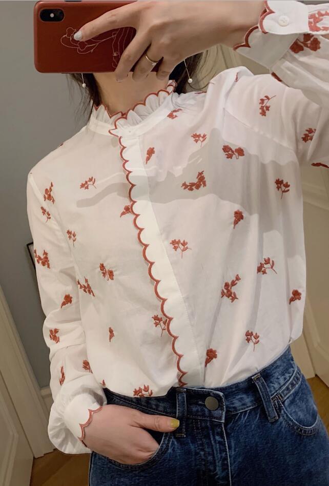Women Shirt 2019 New Vintage Delicate Flower Embroidered Wavy Edge Cotton Shirt