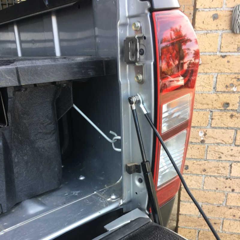 4X4 Pickup Aksesoris Stainless Belakang Tailgate Memperlambat Gas Shock Membantu Struts Damper untuk Toyota Hilux SR5 M70 revo 2015 2016