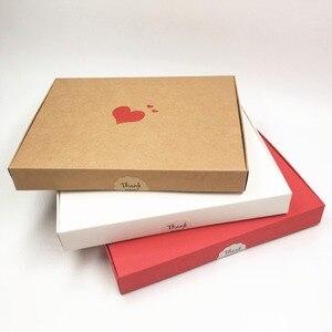 Image 5 - Boîtes en papier de cœurs rouges estampillés à chaud, étiquette en forme de fleur, pour présentoir, emballage, bibelots, nouveauté de cosmétiques, 20x15x2,5, 30 pièces