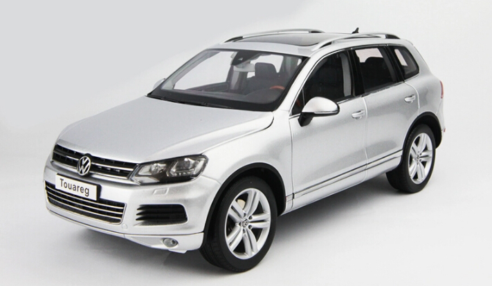KYOSHO 1:18 of the German high performance alloy SUV model 2010 Touareg TSI collection grade alloy model cars