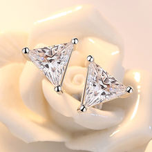 Женские треугольные серьги гвоздики из серебра 925 пробы с кристаллами