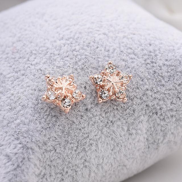 Simple Gold Star Stud Earrings