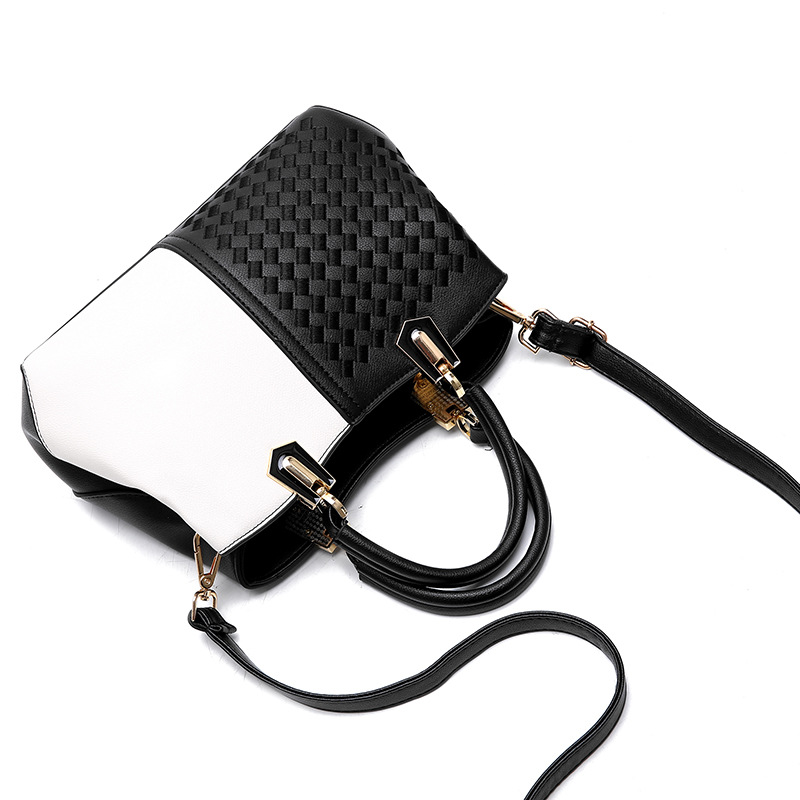 Best Selling Women's Bag New 2019 Wild Lady Handbag Embroidery Thread Weaving Shoulder Diagonal Package