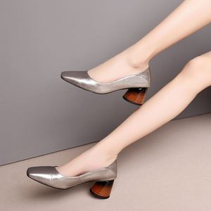 Image 2 - ALLBITEFO mulheres saltos de couro genuíno cheio de alta qualidade sapatos de moda primavera mulheres sexy de salto alto do dedo do pé quadrado sapatos de salto alto