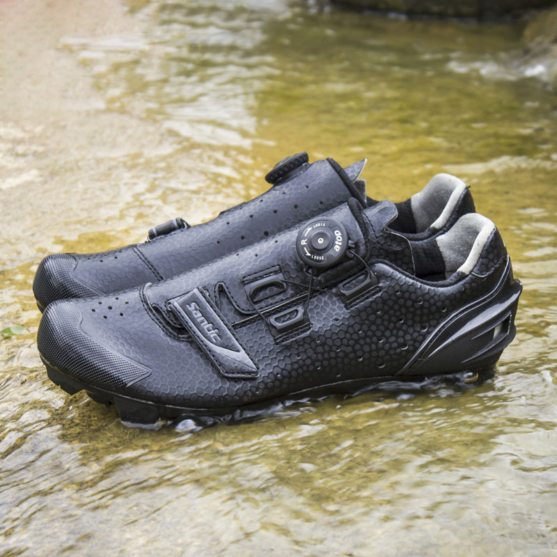 Santic Cycling MTB Bike Bicycle Men Shoes Breathable Mountain Bike Bicycle Equipment Self locking TPR PU Shoes With Free Socks - 4