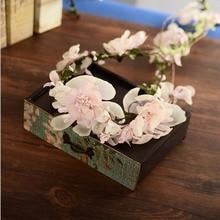The bride wedding photo studio wreath headdress female rattan head ring flower ornaments on Tourism