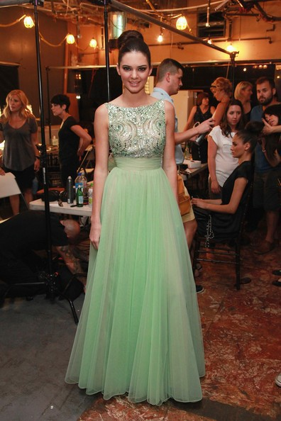 Celebrity Inspired Dresses Mint Green Beaded Top Tulle Prom Dresses