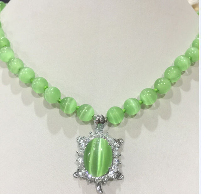 """Hot sell Noble- FREE SHIPPING  New 8mm Green Natural stone Sri Lanka Moonstone Gems Tortoise Pendant Necklace 18""""AAAA+002"""