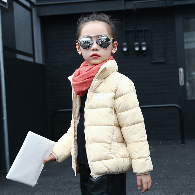 2017 Nuevos niños del invierno brillante colores abrigo de algodón chaqueta de los muchachos de la manera niños de alto grado de luz suave outwear caliente 16A12