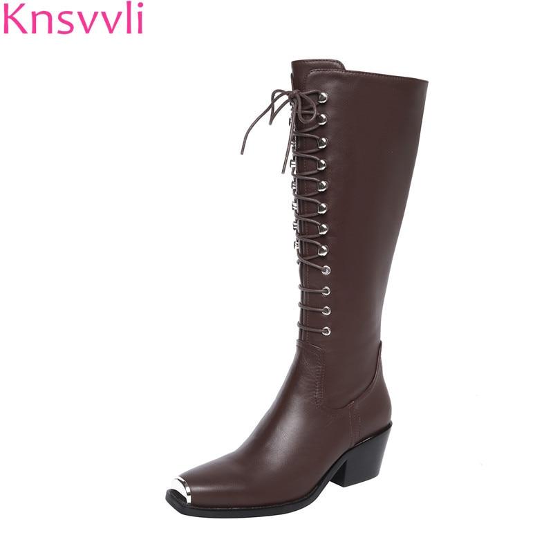 Knsvvli женские сапоги до колена новый стиль Натуральная кожа с перекрестными ремешками мотоциклетные длинные ботинки на среднем каблуке из м