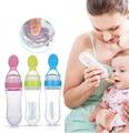 Nova Segurança mamadeira Alimentação Apertar chupete emzik macio Colher de Bebê Talheres Colher bebes necessidades alimentador garrafa de 90 ml