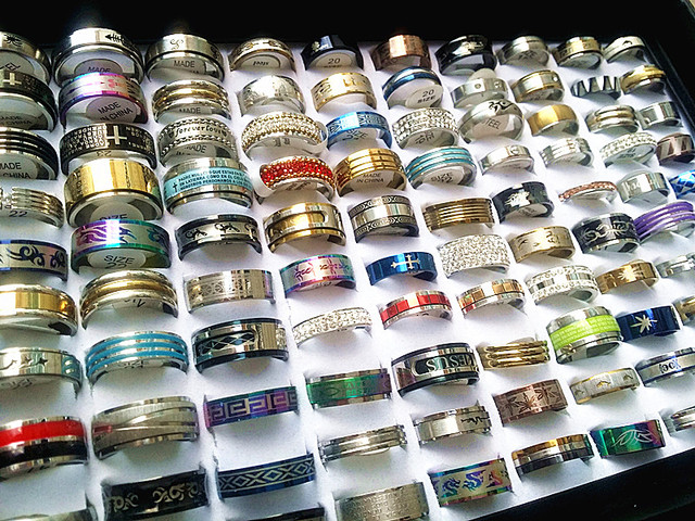 wholesale bulk lots 100pcs mixed styles high quality stainless steel mens womens fashion wedding party jewelry rings brand new