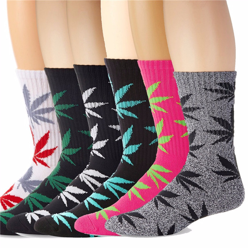 2018 New  Fashion 1Pair Comfortable High Quality Cotton Socks  Maple Leaf Casual Long Weed Crew Sock