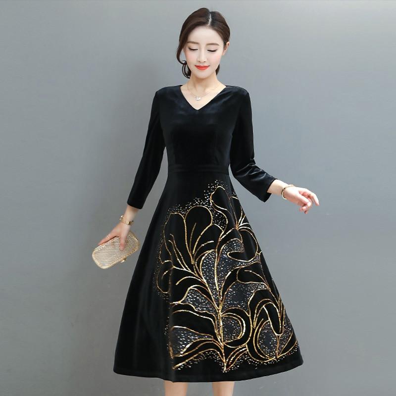 2018 Spring Hot Sale Velvet high quality Dress Fashion Women Elegant Robe V-Neck Sequined Embroidered Black Dress Size M-4XL