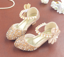 2019 ילדי סנדלי ילדי עור מפוצל אבזם רצועת נסיכת נעלי בנות גליטר Bowtie גבוהה העקב צד הסנדלים מתנה