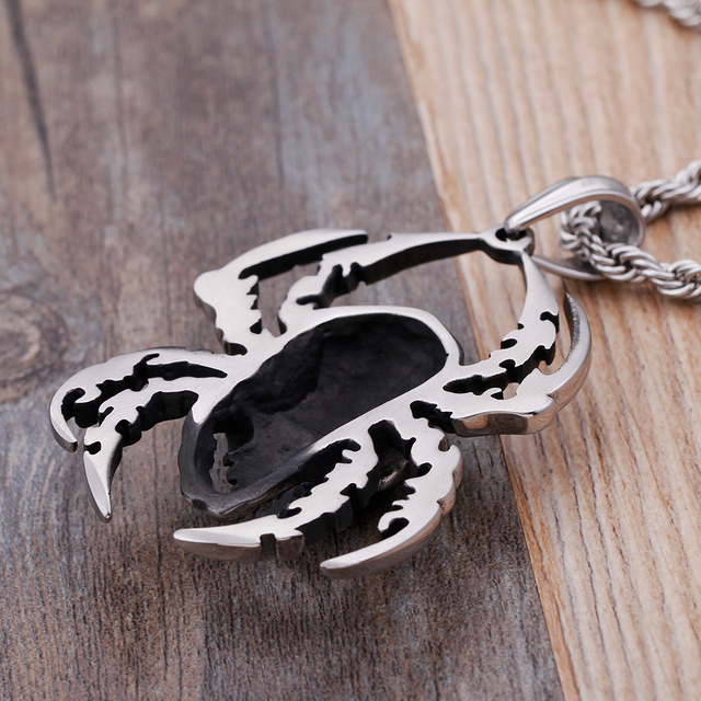 STAINLESS STEEL SKULL SPIDER NECKLACE