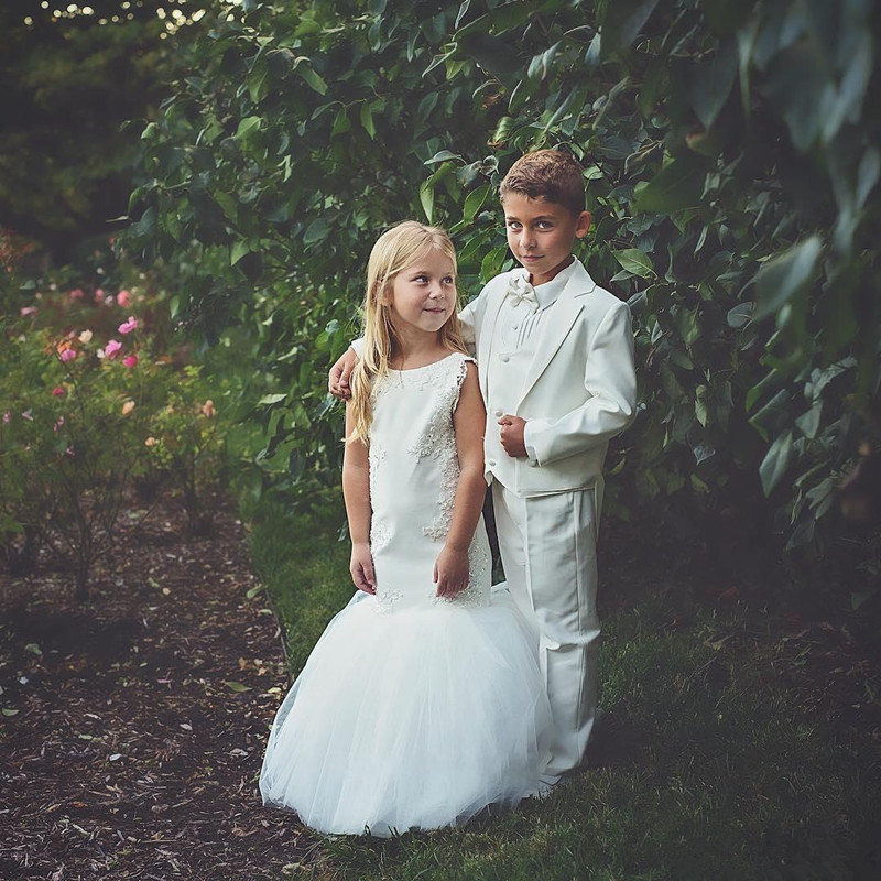 country-wedding-white-mermaid-flower-girls-dresses-tulle-ball-gown-train-lace-applique-beads-little-girls-pageant-dress-holy-communion-dress (1)_